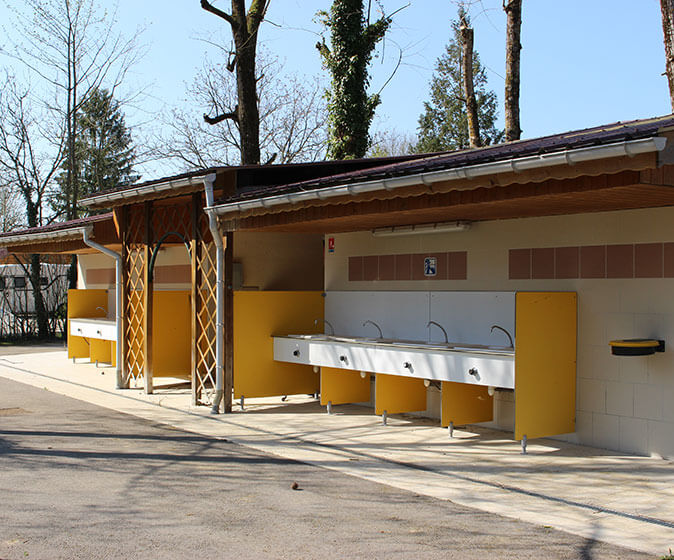 Sanitary facilities in camping le Val d'Amour