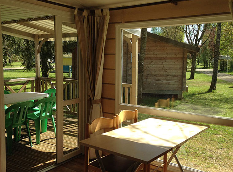 Loggia mobile home patio camping Val d'Amour